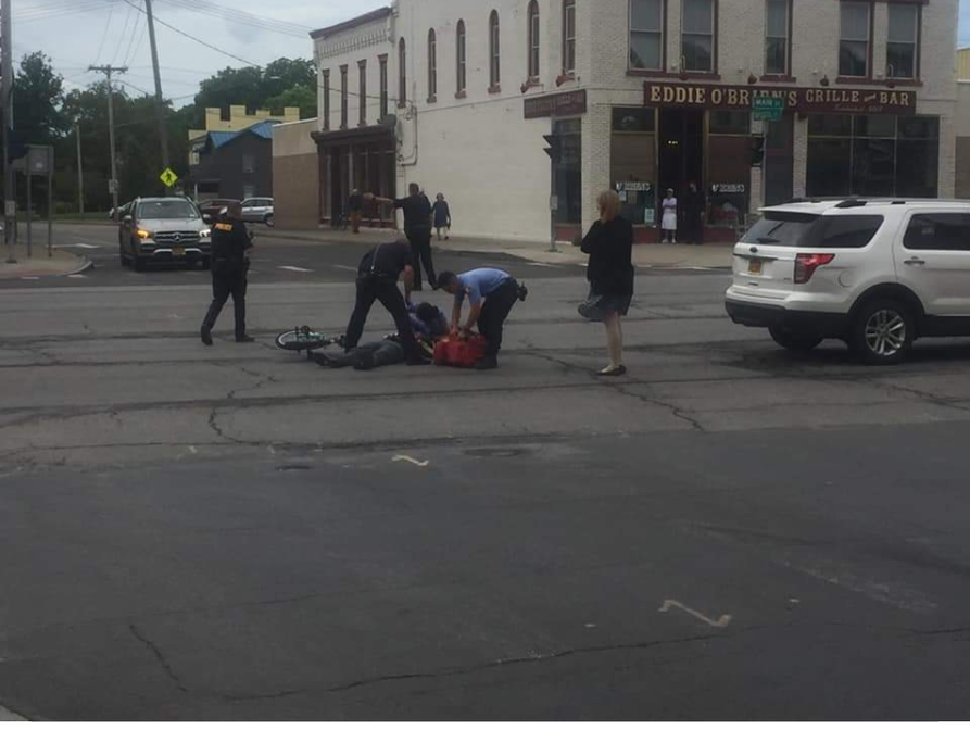 Bicyclist hurt after apparent collision with vehicle in Canandaigua